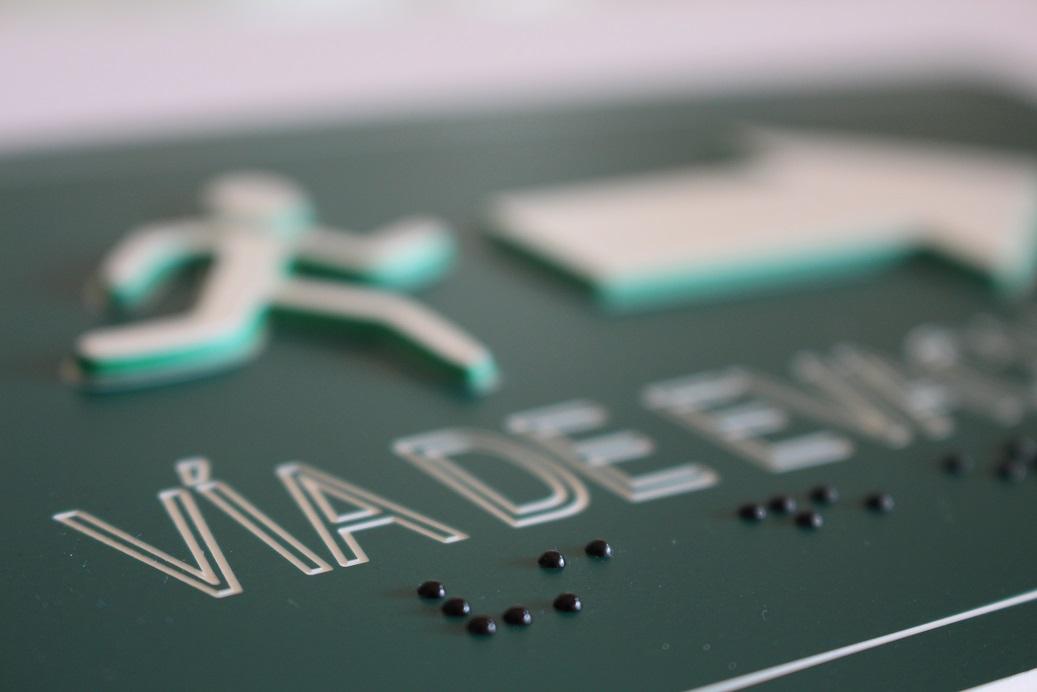 Señaletica Gravoplit braille