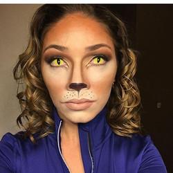 Gorgeous kitty from today roaaaaar #snazaroo #anastasiabeverlyhills #halloweenmakeup #mua #makeupfor
