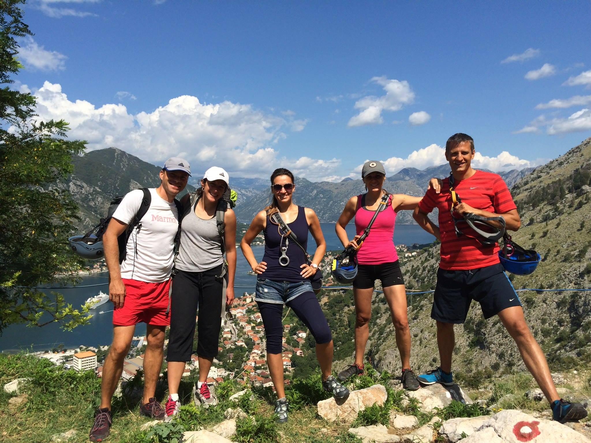 Guided hiking and canyoning tours
