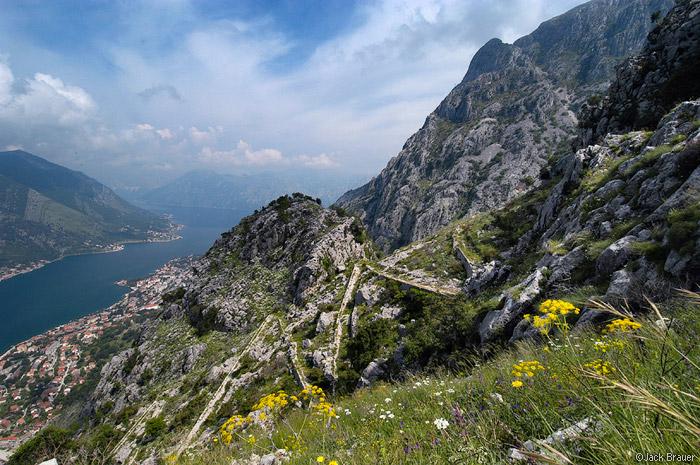 Old road between Kotor and Cetinje