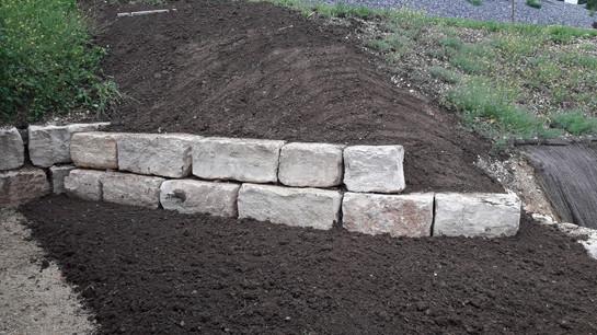 Mur de soutènement blocs calcaires