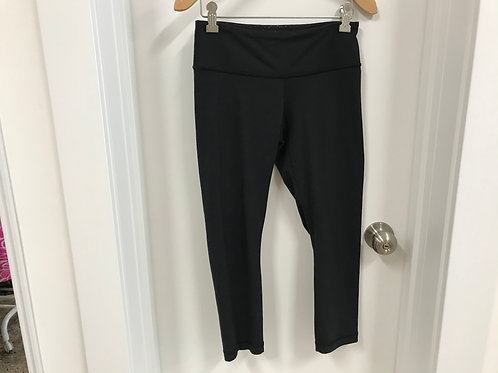 Women's 4 Lululemon Black 3/4 Athletic Leggings