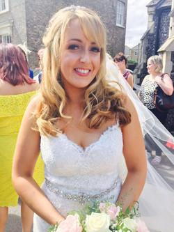 bridal freelance makeup artist
