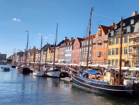 Há algo de errado no Reino da Dinamarca!