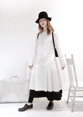 Cotton pleated dress w/ hand stitch
