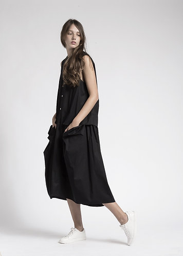 Ashymmetric side pocket sleeveless dress
