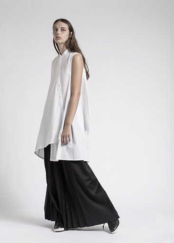 Asymmetric sleeveless longs shirt
