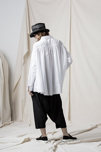 Asymmetric back banding shirt