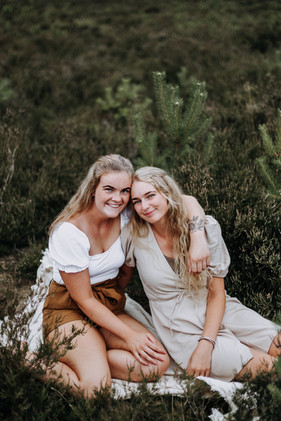 EMMY & LOES