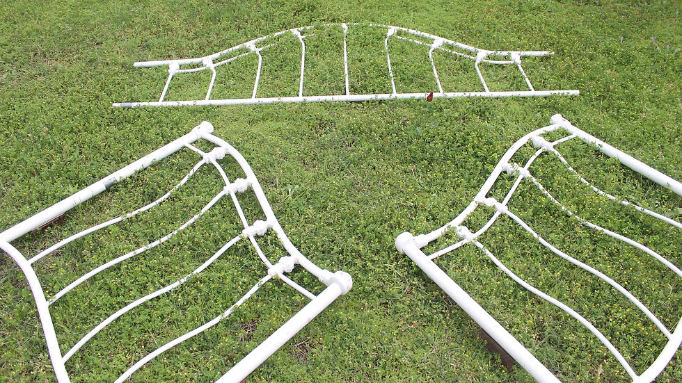 Vintage White Iron & Metal Twin Size Bed