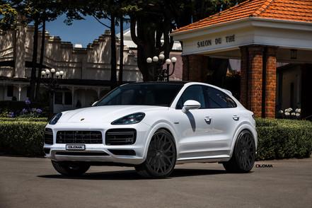 black-24-inch-rims-white-porsche-cayenne-coupe-gts