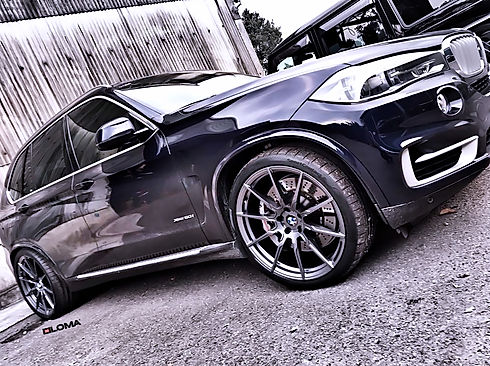 bmw-x5-staggered-wheels-and-tires-blue