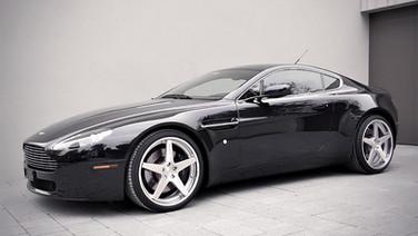 LOMA Aston Martin Vantage