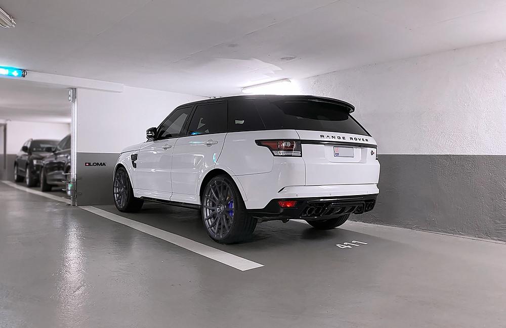 range-rover-sport-svr-custom-22-inch-wheels.
