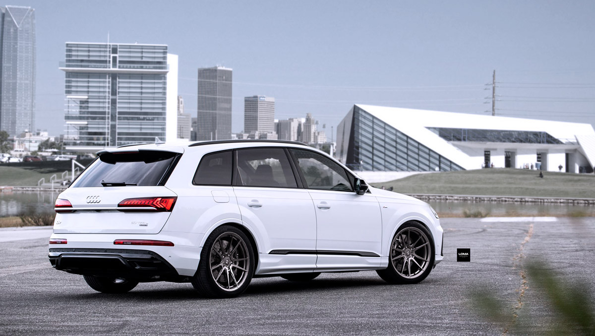 Audi Q7 Custom Wheels.