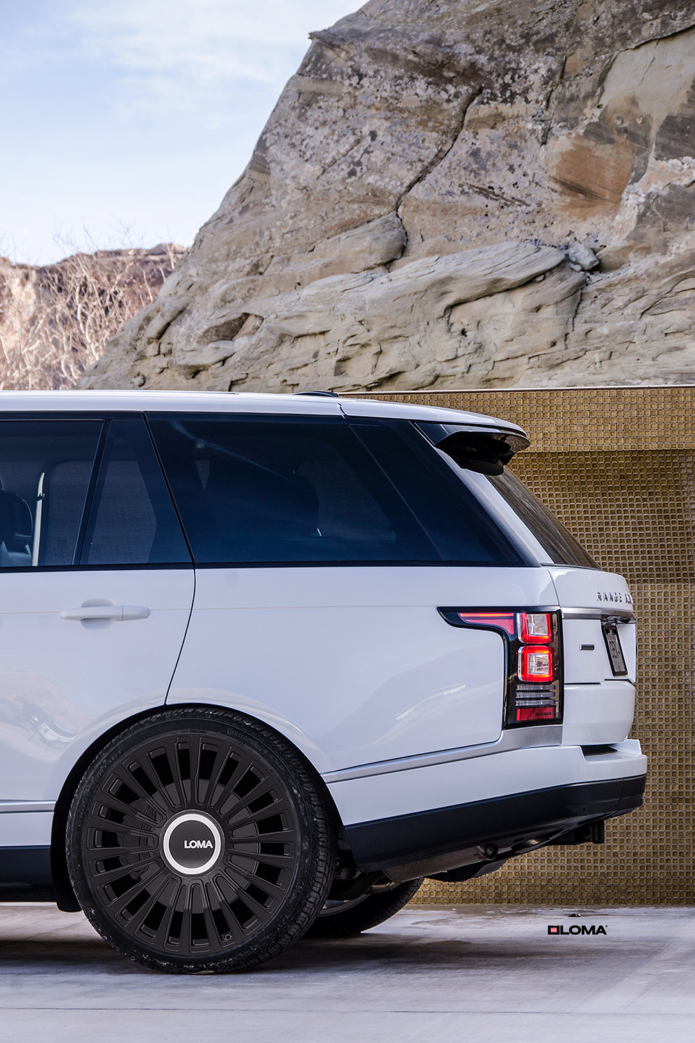 range-rover-custom-forged-wheels-sating-beluga-black.