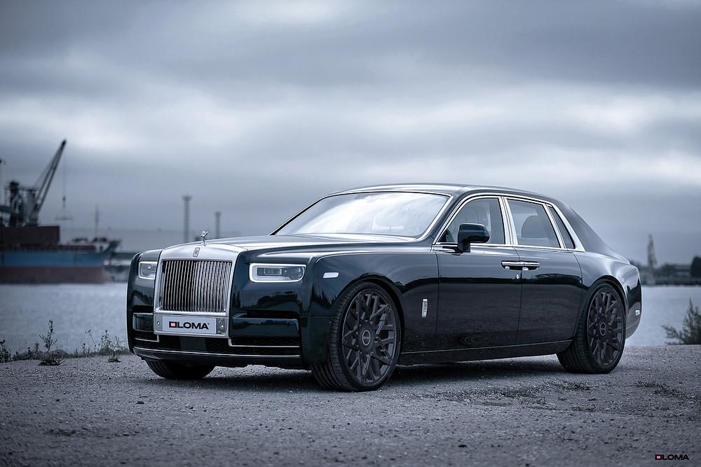 the-secret-life-of-the-freemasons-2020-rolls-royce-phantom-on-1451-masonic-custom-wheels.