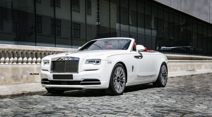 Rolls-Royce Dawn.
