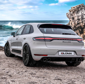 2020 Porsche Macan Black Rims in 21-Inches called LOMA RS-F1 Super Concave