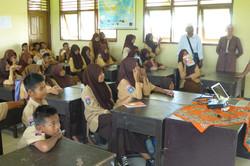 Screening, Tonjer, Lombok.JPG