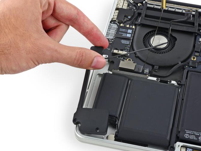"""เปลี่ยนลำโพง Macbook Pro Retina 13"""" 2013-2015 A1502 ยอดฮิตเปลี่ยนเองได้สำหรับ User  ช่าง ฮาร์ท"""
