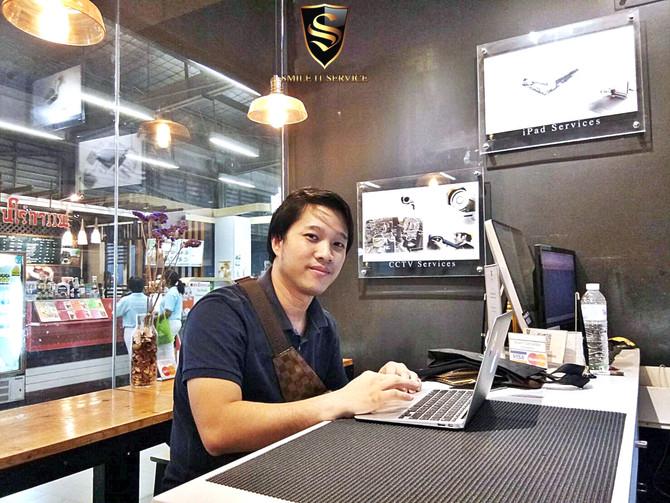 ลูกค้าเจ้าของเครื่อง Macbook Air มาติดตั้ง Software