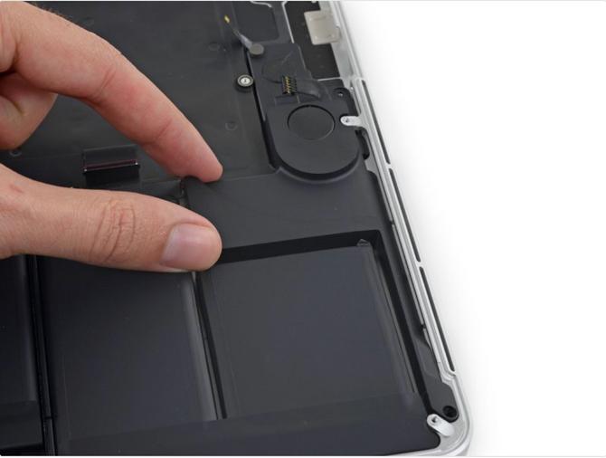 """เปลี่ยนลำโพง Macbook Pro Retina 15"""" 2013-2015 A1398 ยอดฮิตเปลี่ยนเองได้สำหรับ User ช่าง ฮาร์ท"""
