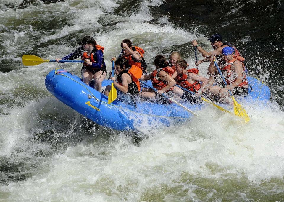 rafting-695318_960_720.jpg