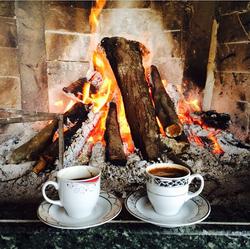 Şömine ve türk kahvesi