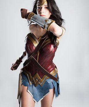 20170912_Elise-Wonder-Woman_0181-2-2-600