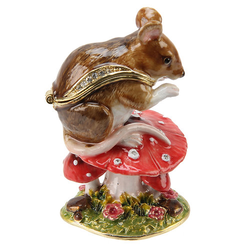 Mouse on Toadstool