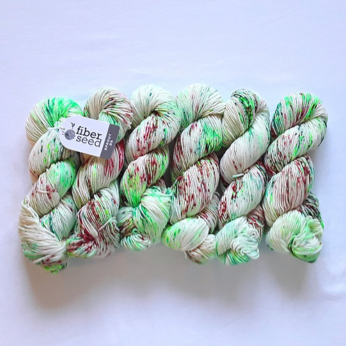Merry & Bright (b)   Sprout DK (bag of 6)