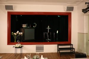 Kasten Bühne Saal