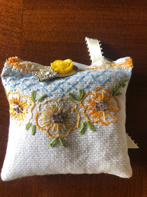 Pincushion - Yellow/Gold