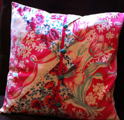 Tablecloth pillow