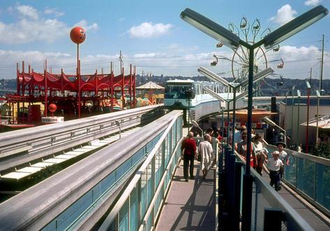018 - Monorail approaching World's Fair