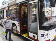 В Приморье в 2021 году запретят работать иностранцам с патентами водителями автобусов и такси