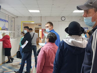 Мигрантов планируют проверять на инфекции в госклиниках