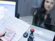 Путин подписал закон о продлении иностранцами патента на работу без выезда из России