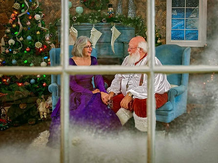 Mr and Mrs Claus cropped 43.jpg