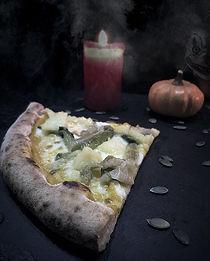 🎃HALLOWEEN 🎃  Non poteva di certo mancare una pizza dedicata alla notte più tenebrosa de