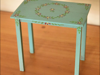 Making miniatures: How to make a miniature painted table (in 1/12th scale)