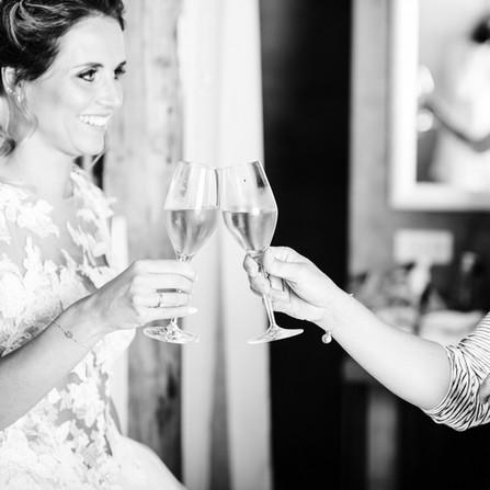Hochzeit-Getting-Ready-Sekt.jpg