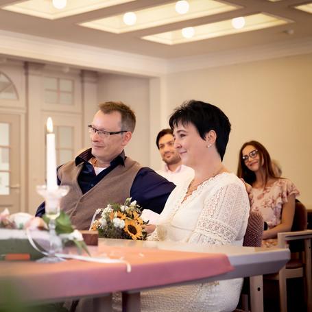 Hochzeit-Fotografie-Standesamt.jpg