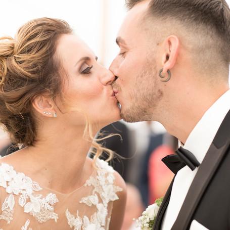 Hochzeit-Fotografie-Kuss.jpg