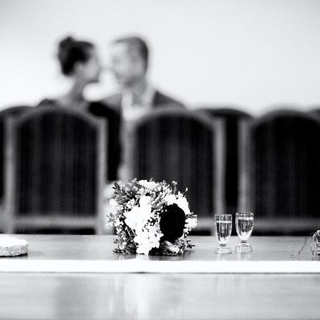 Hochzeit-Fotografie-Standesamt-Blumenstrauß.jpg