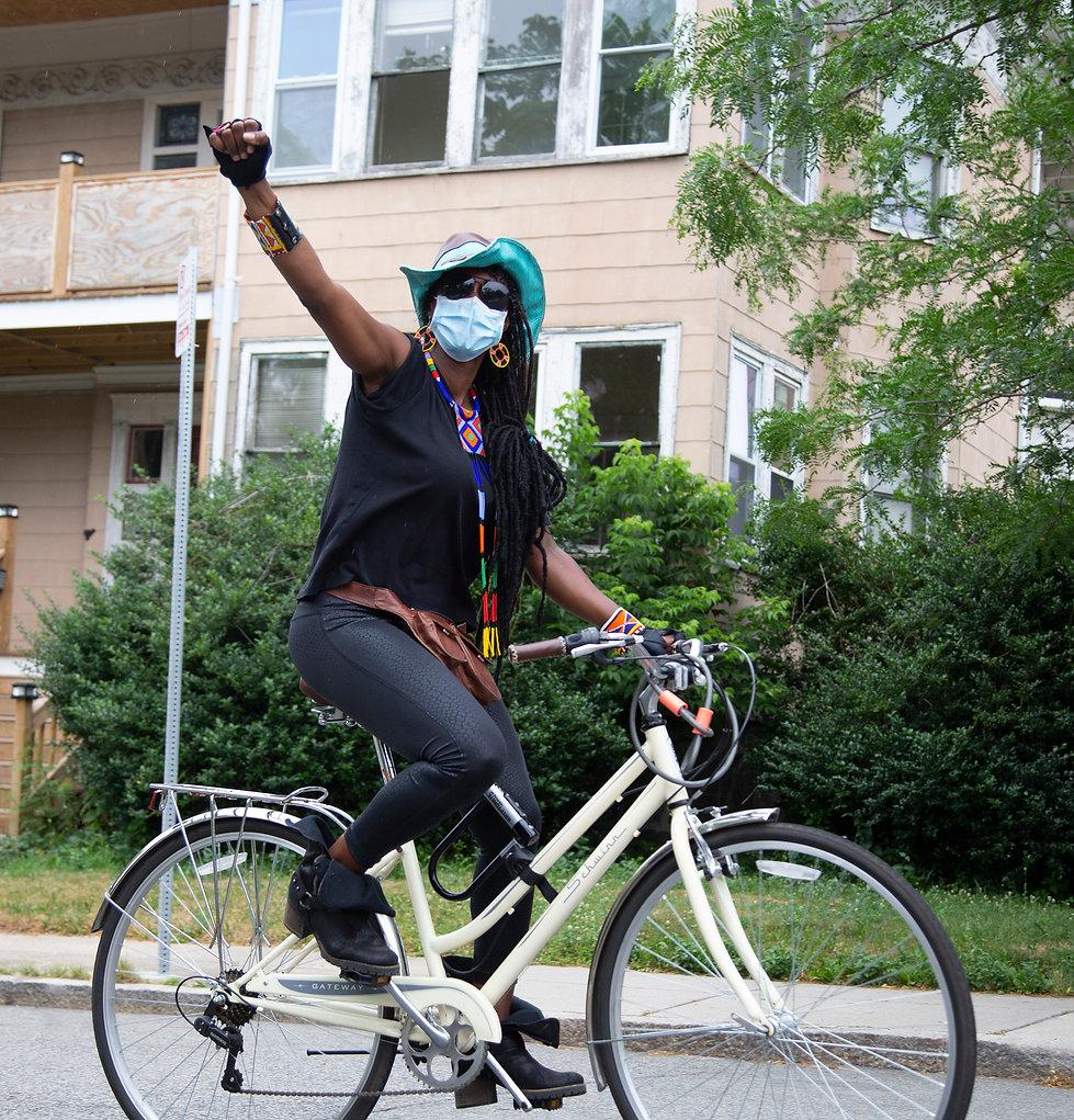 Lady on Bike9163 copy.jpg
