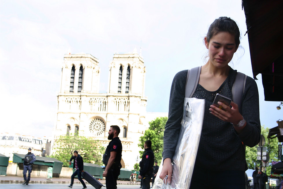 Crying Lady Notre-Dame.jpg