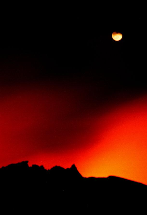 Hawaiian Moonrise Red web.jpg