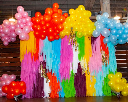 streamer-wall-with-balloonsjpg